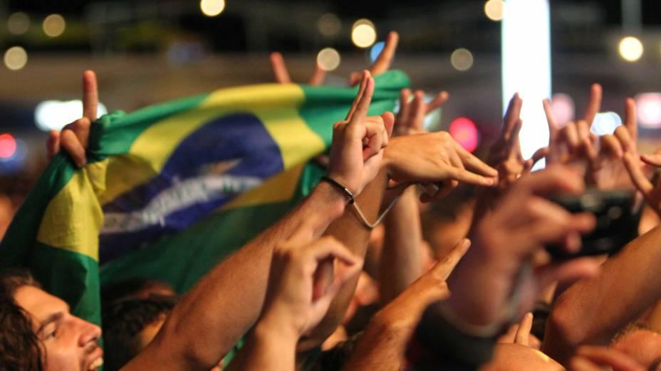 O público durante o show do Sepultura no palco Sunset, no terceiro dia do Rock in Rio, em 25/09/2011