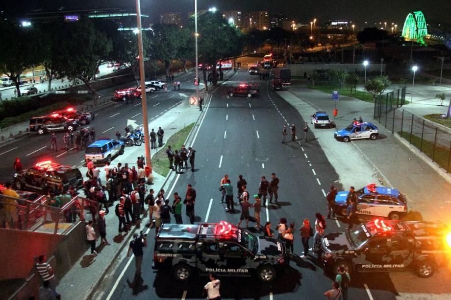 Polícia interditou a Avenida Presidente Vargas, no centro do Rio, durante sequestro de ônibus