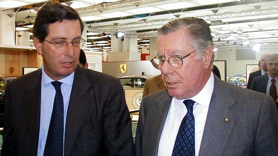 Designer italiano Sergio Pininfarina ao lado de seu filho Andrea