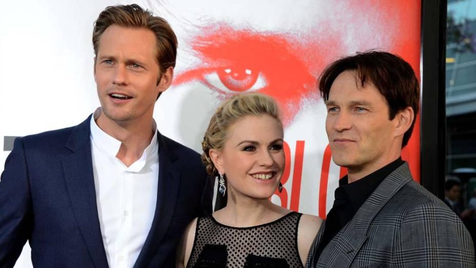 Os atores Alexander Skarsgard, Anna Paquin e Stephen Moyer na première da série True Blood, em Hollywood