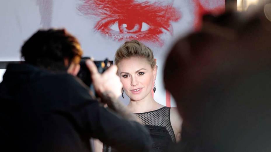 A atriz Anna Paquin durante a première da série True Blood, em Hollywood