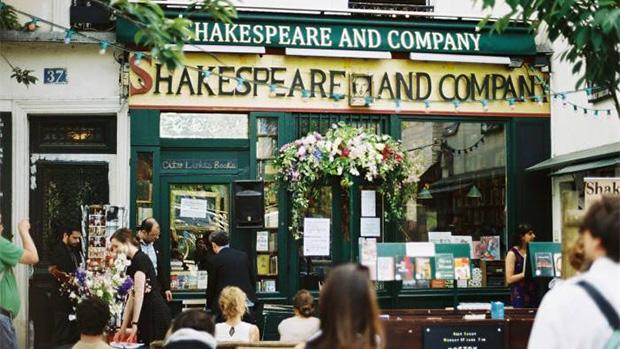 Livraria Shakespeare and Co em Paris, França