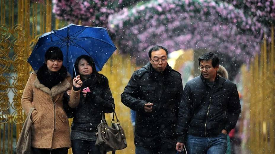 Chuvisco de neve na cidade de Shanghai, China