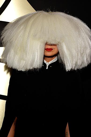 Sia durante a 57ª edição do Grammy, premiação que elege os melhores da música internacional, que acontece neste domingo (08)<br><br>