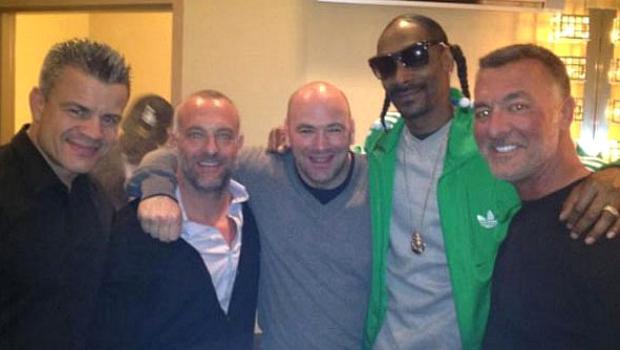 Snoop Dogg com Dana White e os irmãos Frank e Lorenzo Fertitta