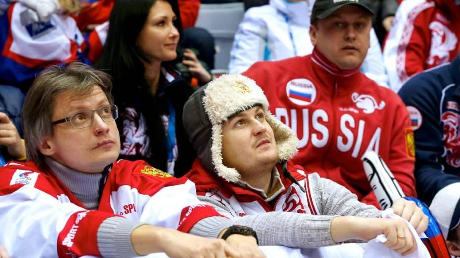 A decepção dos russos com a derrota no hóquei no gelo em Sochi-2014