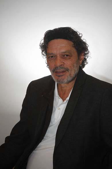 O ex-jogador Sócrates logo após receber alta do hospital em 9 agosto de 2011