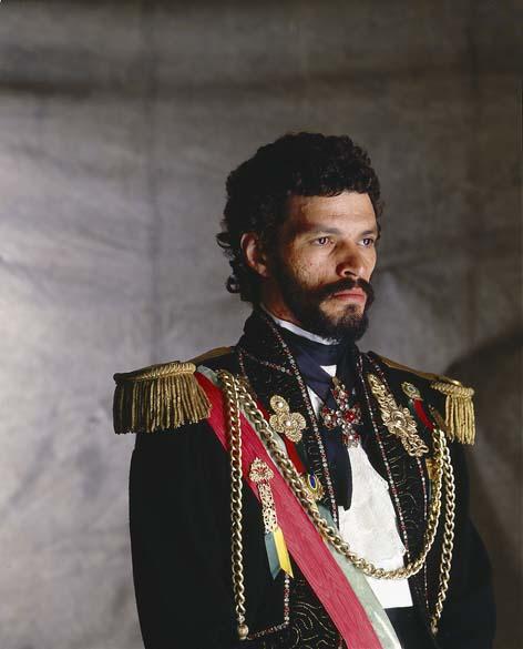 Sócrates vestido como Dom Pedro I para a capa da Placar, 1984