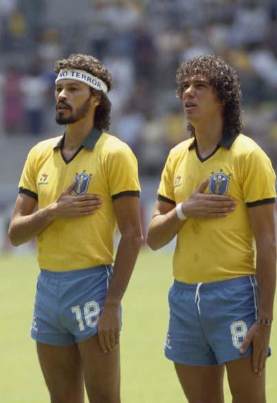 Sócrates e Casagrande durante jogo contra a França na Copa do Mundo do México, 1986<br>
