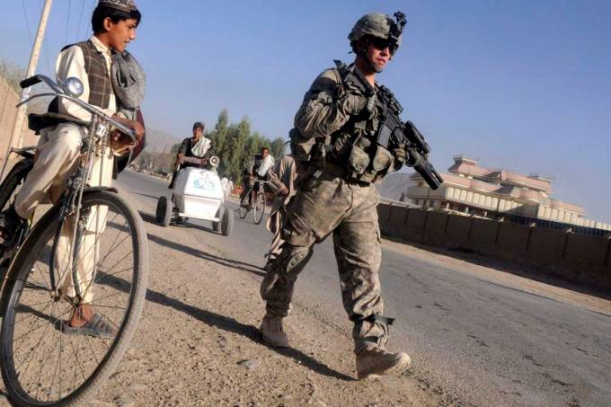 soldado-rua-kandahar-afeganistao-20101007-original.jpeg