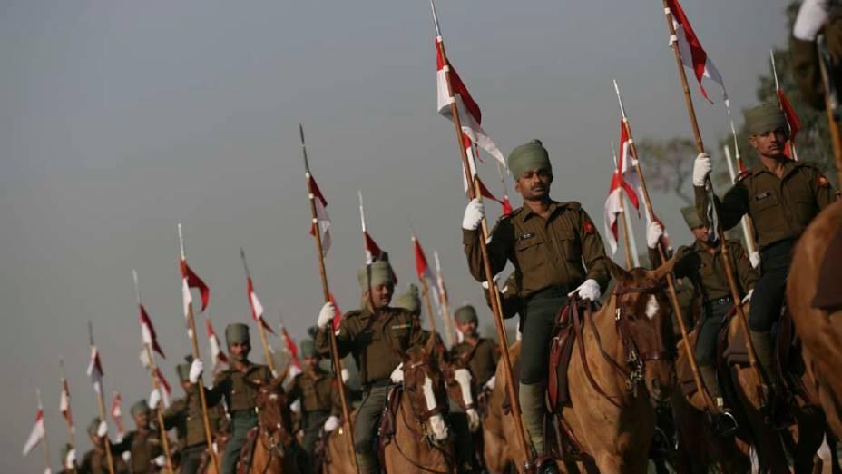 Soldados indianos durante ensaio para a comemoração do Dia da Republica em Nova Délhi
