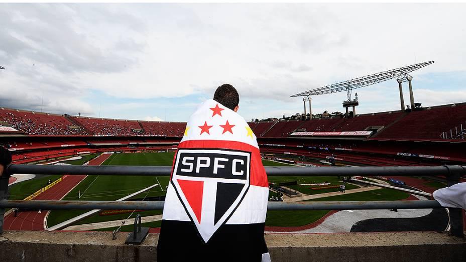Torcedor do São Paulo durante o jogo contra o Botafogo, no Morumbi