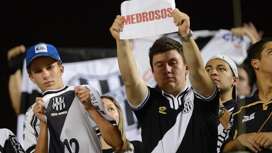 Torcida da Ponte Preta durante partida contra o São Paulo, válida pela semifinal da Copa Sul-Americana, no Morumbi