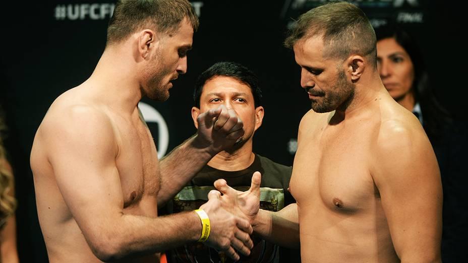 Stipe Miocic e Fábio Maldonado durante a pesagem do UFC em São Paulo
