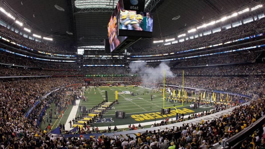 Cowboys Stadium lotado antes da abertura do SUper Bowl XLV, no Texas