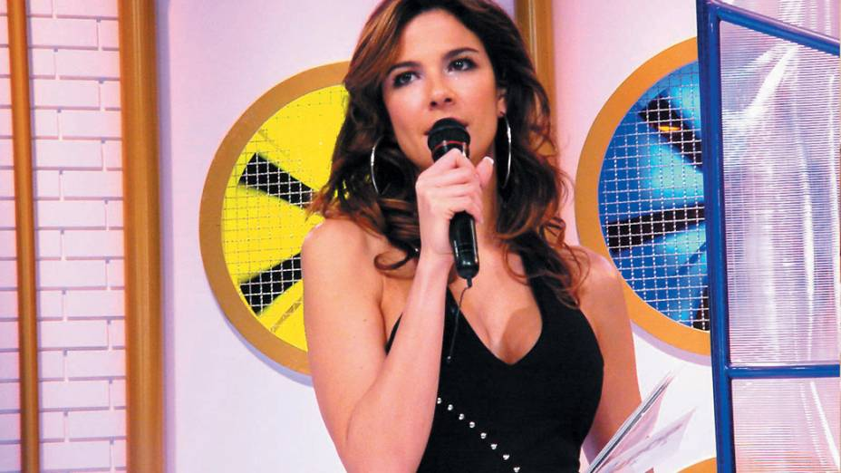 Luciana Gimenez, apresentadora do programa SuperPop, da RedeTV!. O programa tenta exalar um ar sofisticado, mas se vale de controvérsias e barracos para ter audiência