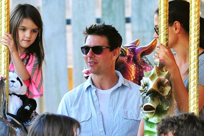 suri-cruise-20120427-05-original.jpeg