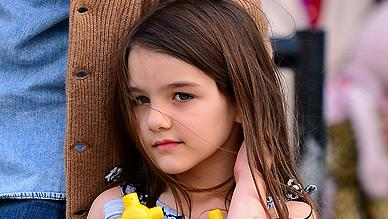 Suri, filha dos atores Tom Cruise e Katie Holmes