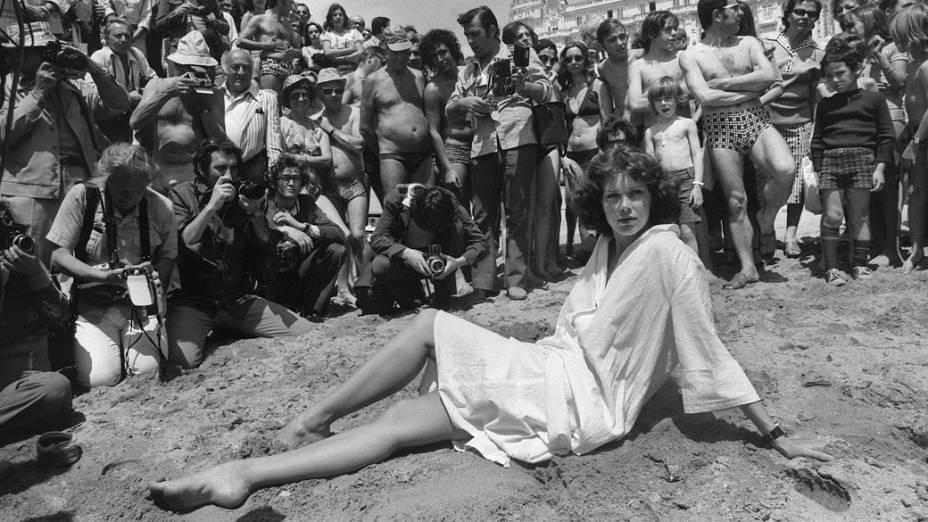 A atriz Sylvia Kristel durante o festival de Cannes de 1977