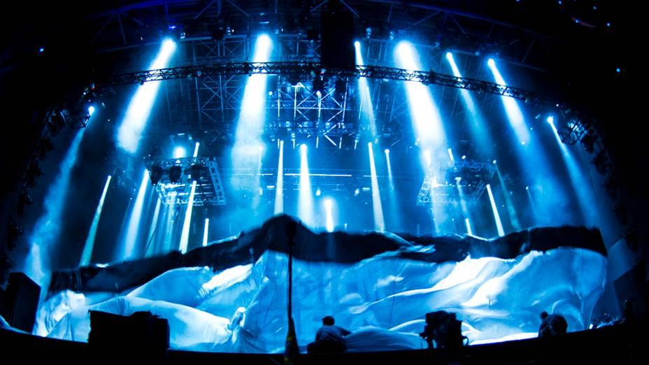 O ínicio do show do System of a Down no palco Mundo, no último dia do Rock in Rio, em 02/10/2011