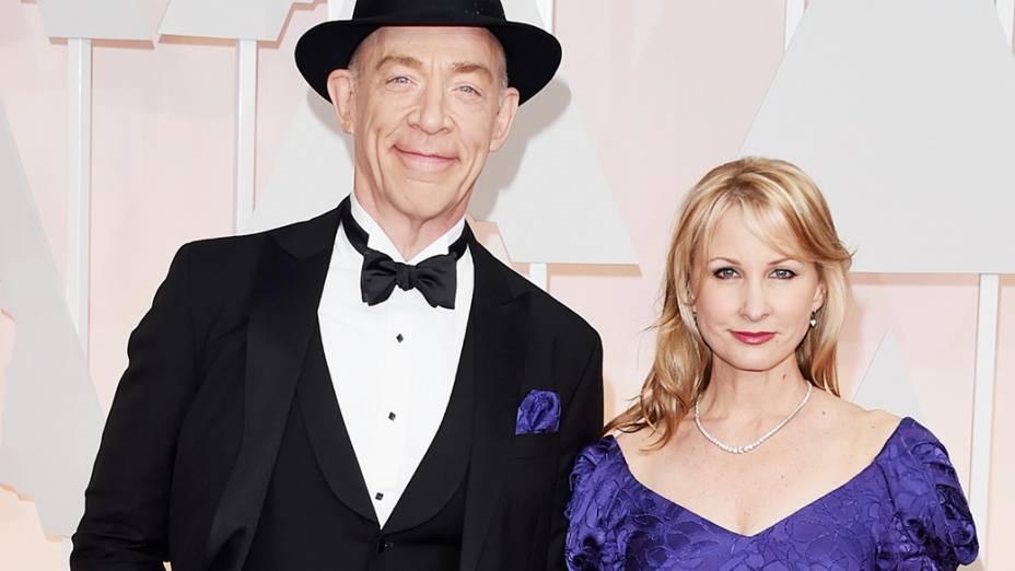 O indicado a melhor ator coadjuvante. J.K. Simmons, de Whiplash, e sua mulher Michelle Schumacher
