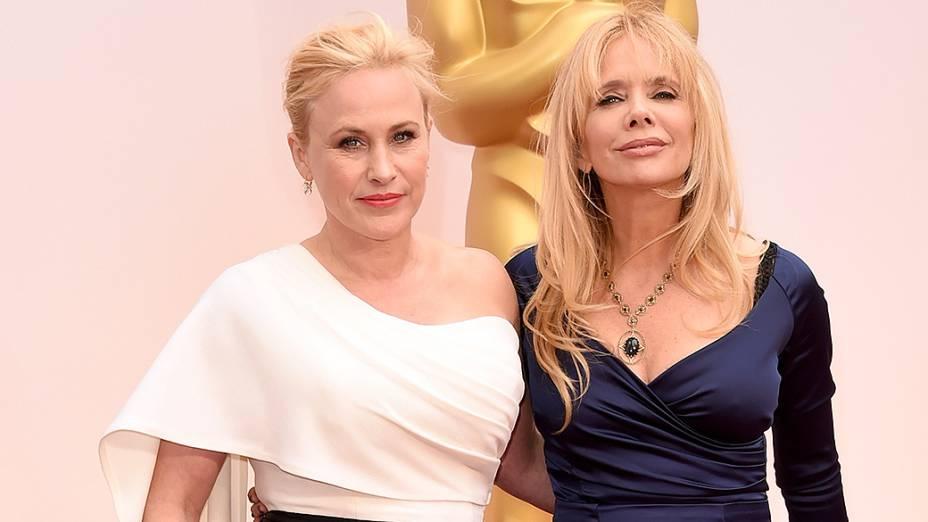 As atrizes Patricia Arquette e Rosanna Arquette no tapete vermelho do Oscar 2015