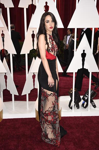 Lorelei Linklater, atriz de Boyhood e filha do diretor Richard Linklater, chega à cerimônia do Oscar 2015