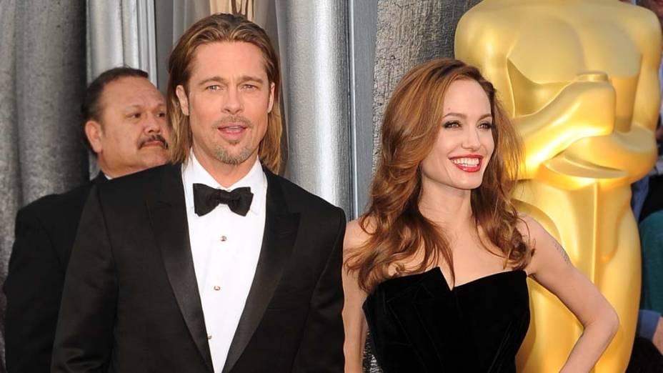 Os atores Brad Pitt e Angelina Jolie no Oscar 2012