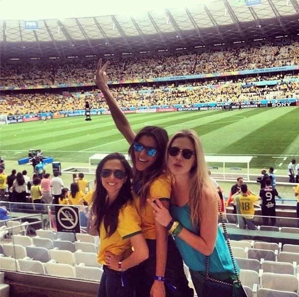 Tata Werneck, Fiorella Mattheis e Rafaella Cardoso no Mineirão para o jogo entre Brasil e Alemanha na Copa do Mundo 2014