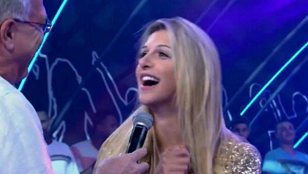 Tatiele Polyana conversa com Bial após eliminação no BBB14