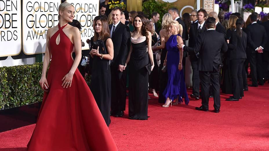 Taylor Schilling durante 72ª edição do Globo de Ouro, prêmio da associação de correspondentes de Hollywood que elege os melhores do cinema e da TV, em Los Angeles, nos EUA