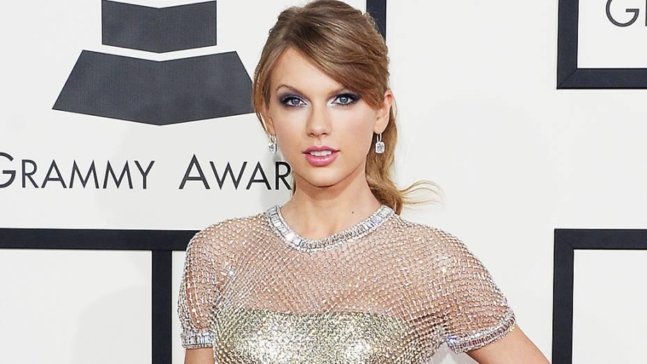 A cantora Taylor Swift lidera a lista das famosas mais vestidas do ano da revista People