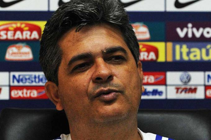 tecnico-futebol-ney-franco-20110808-01-original.jpeg