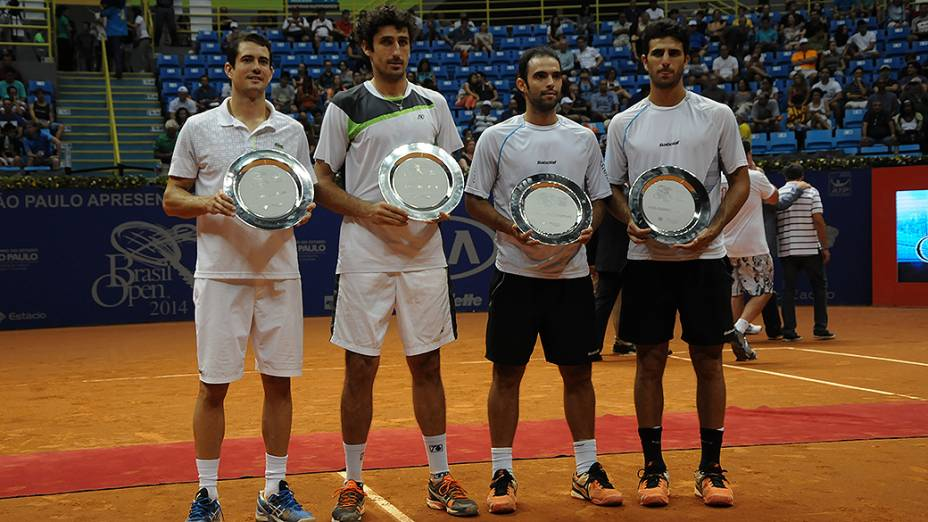 Os campeões na categoria dupla do Brasil Open 2014, em São Paulo