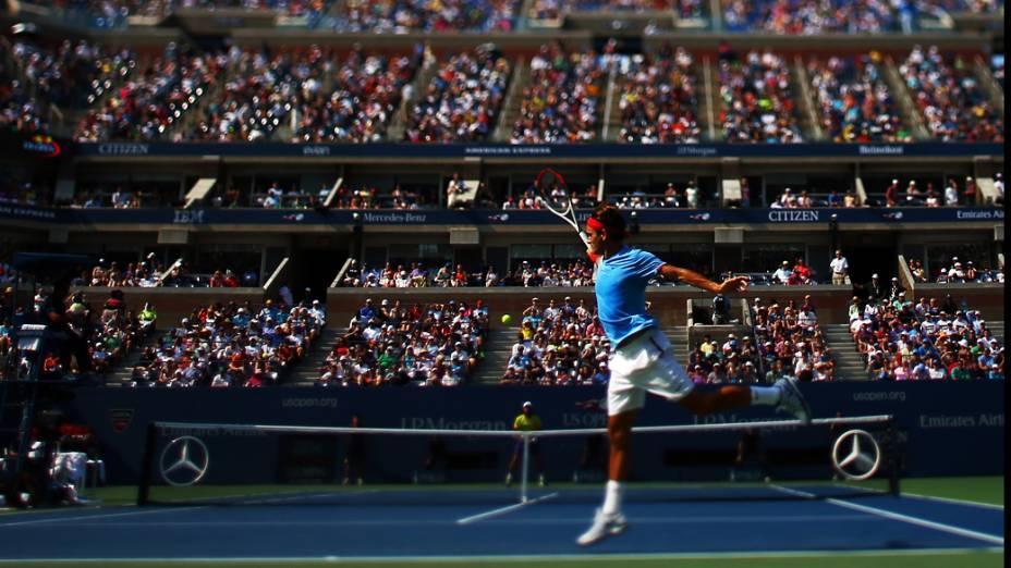 Roger Federer durante partida contra o tenista espanhol Fernando Verdasco pela terceira rodada do US Open 2012