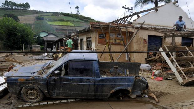 Devastação em Vieira, localidade próxima a Teresópolis: plantações destruídas