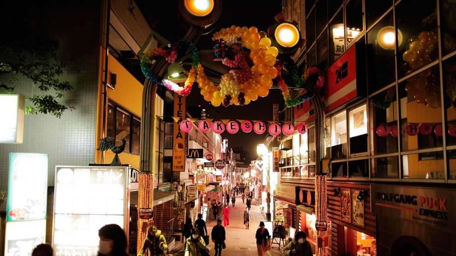 Rua Takeshita no bairro de Harajuku, Tóquio