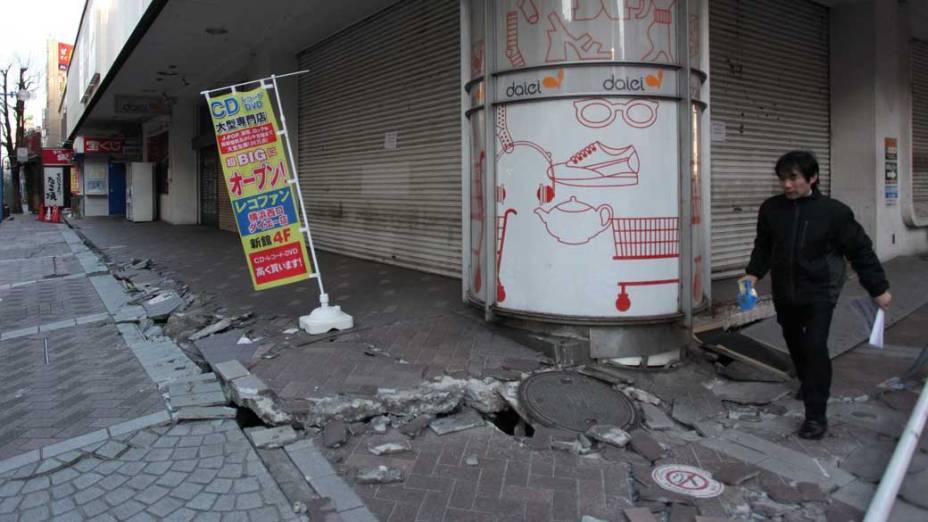 Ruas de Yokohama após terremoto, Japão<br>