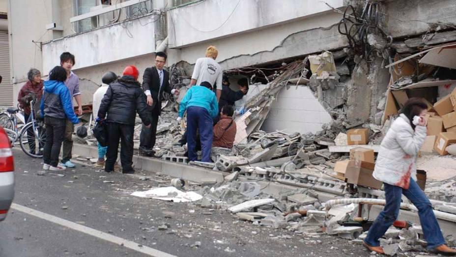 Destruição após terremoto em Iwaki, Fukushima, Japão