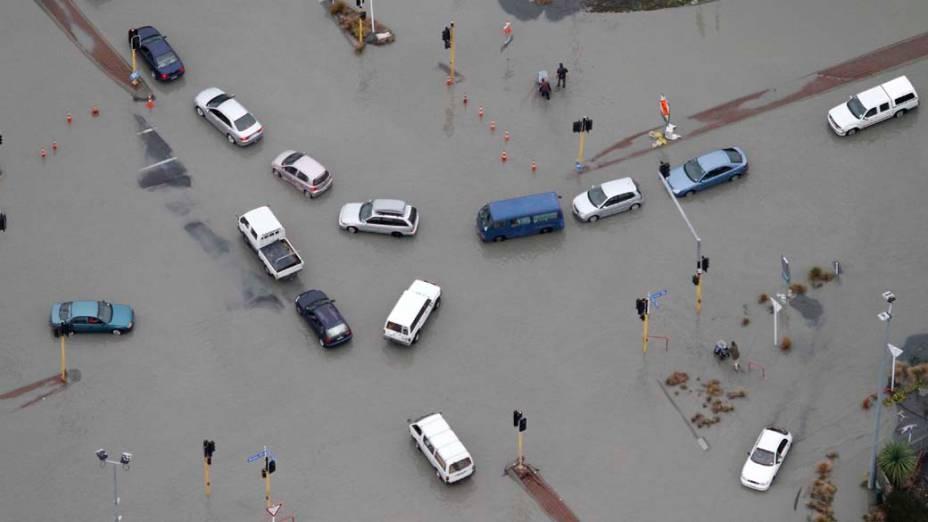 Terremoto provocou inundações nas ruas de Christchurc, Nova Zelândia