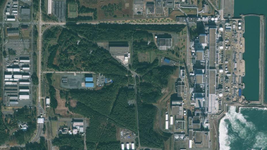 Imagem de satélite da usina nuclear de Fukushima antes do terremoto e tsunami que atingiram o Japão...
