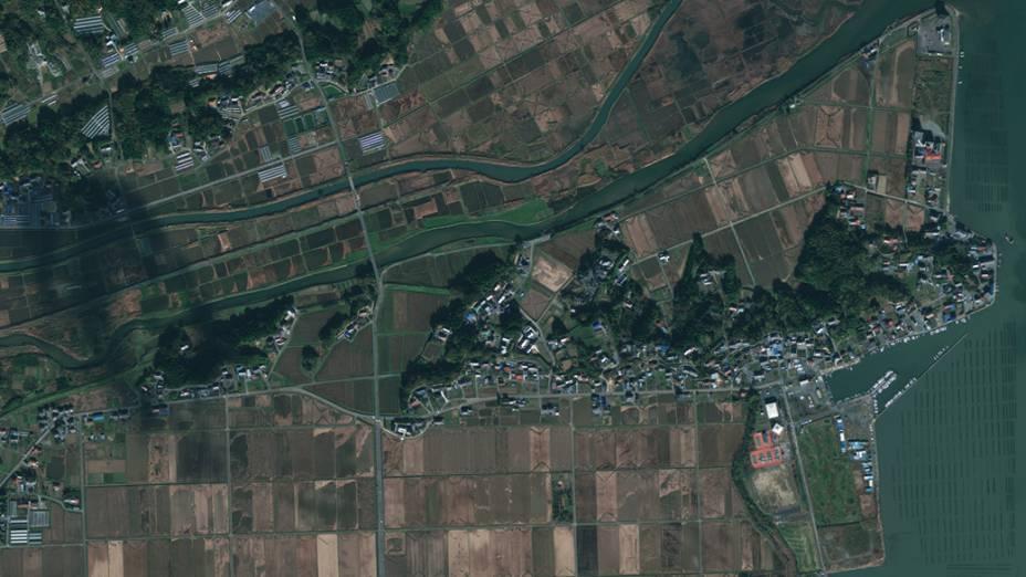 Imagem de satélite da cidade de Minami Sanriku antes do terremoto e tsunami que atingiram o Japão...