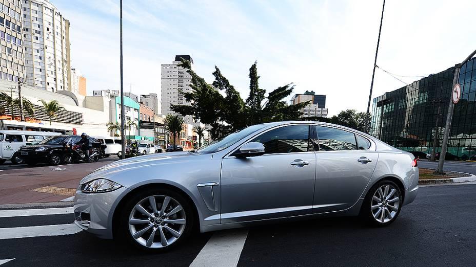 No trânsito de São Paulo, boa dirigibilidade e rápido nas manobras