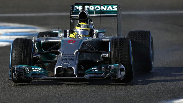 Nico Rosberg durante teste da Mercedes, na Espanha