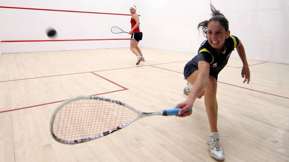 A brasileira Thaisa Serafini durante partida de squash contra a americana Lily Lorentzen, no primeiro dia dos Jogos Pan Americanos em Guadalajara, México, em 15/10/2011