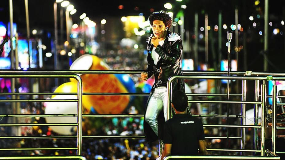 Denny, vocalista do Timbalada, comanda o bloco Nana Banana, no circuito Barra-Ondina