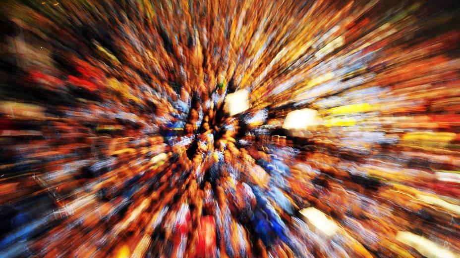 Foliões durante a apresentação do Timbalada, no circuito Dodô