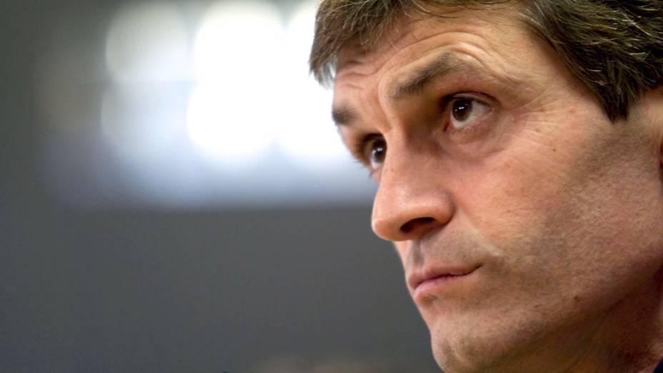 Tito Vilanova, técnico do Barcelona, em entrevista: seis semanas de afastamento