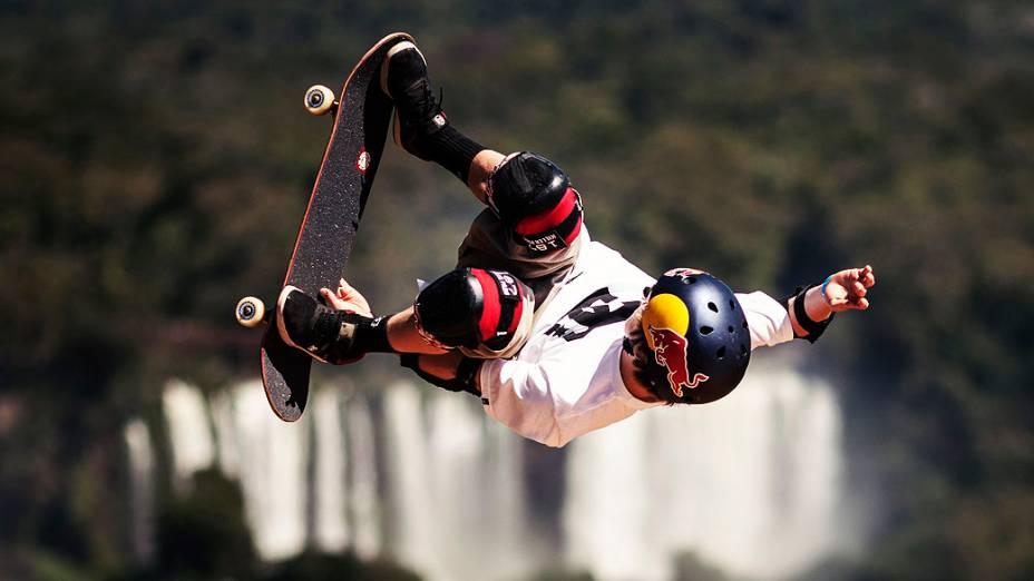 Tom Schaar durante a disputa do skate vertical em Foz do Iguaçu