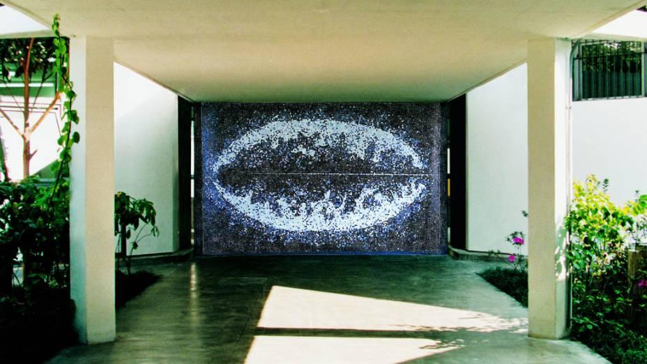 Tomie Ohtake, pintura de 1994, no Instituto de Estudos Brasileiros da USP, São Paulo